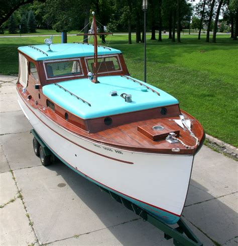 Homemade Cuddy Cabin Boats by Classic Cabin Cruiser For Sale Woodworking Projects Plans