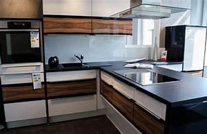 Moderne Küchen Bilder : k chen aus stendal in allen stilrichtungen ~ Markanthonyermac.com Haus und Dekorationen