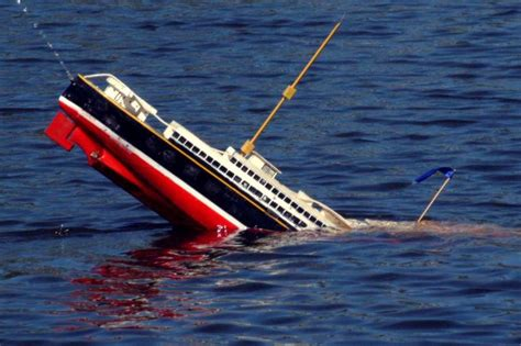 Pictures Of Sinking Boats by Coast Guard Sinking Even Faster Wired