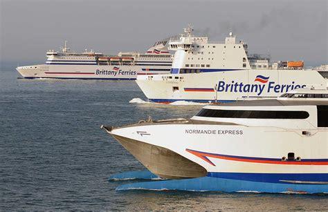 Catamaran Ferry Normandie by Brittany Ferries Photo De Famille Au Large Du Cotentin