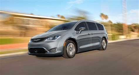 2018 Chrysler Pacifica Hybrid Near Colorado Springs