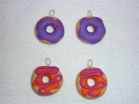bijoux en pate fimo donuts