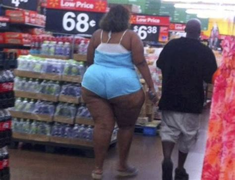 bad dressers at walmart the worst dressed walmart customers who should literally