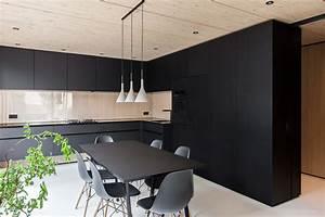 Schwarze Arbeitsplatte Küche : dunkel oder hell welche arbeitsplatte passt zu meiner k che schwarze k chen k chenfronten ~ Markanthonyermac.com Haus und Dekorationen
