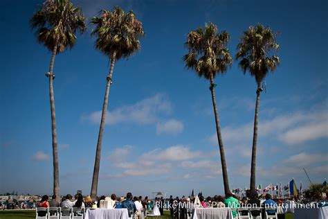Catamaran Hotel Entertainment by Catamaran Resort Wedding Callen Ally San Diego