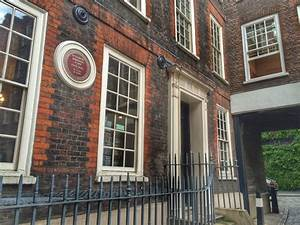 Dr Johnson's House - Things To Do in London | Cosy Life