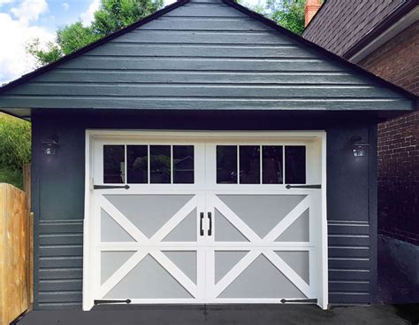 Garage Doors :  From Run-down To Revitalized