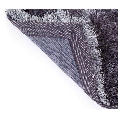 comment nettoyer un tapis shaggy tapis shaggy en beige eldorado with comment nettoyer un tapis