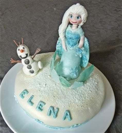 g 226 teau de la reine des neiges avec elsa et olaf en p 226 te 224 sucre g 226 teau damier chocolat vanille