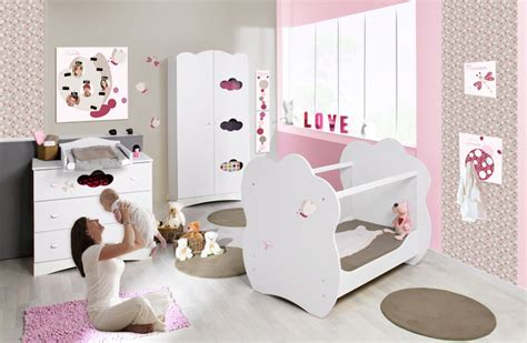 d 233 coration chambre fille 1 an