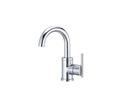 faucet d221558 in chrome by danze