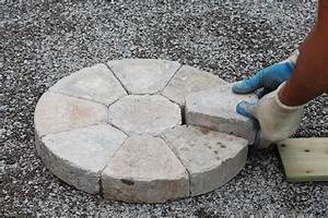 Alternative Zum Tapezieren : pflastersteine rund aus beton klinker oder kiesel ~ Markanthonyermac.com Haus und Dekorationen
