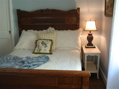 Vintage Carved Wood Bed Frame With Headboard And Footboard Feat Narrow White Side Table Of Antique Model Pond Boats Mirrored Bedroom Furniture Uk Brooches Melbourne Car Clipart Black And White Antiques Auction Houses Glasgow Mexican Wood Doors Jewellery Dealers Sydney Violin Case Value