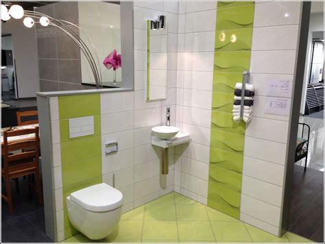 Kleines Badezimmer Fliesen. Ein Kleines Badezimmer Ger