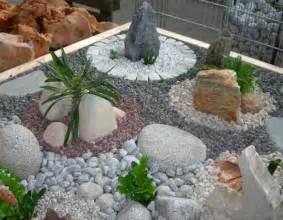 jardin moderne avec du gravier d 233 coratif galets et plantes gravier d 233 coratif les galets et