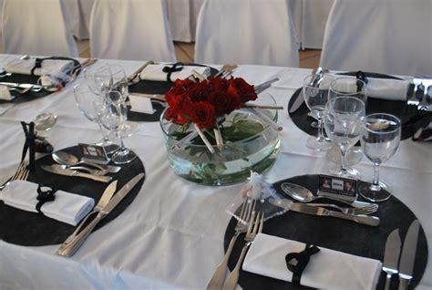 d 233 cors blanc noir et 224 la ferme de drumare centre de table floral mariage
