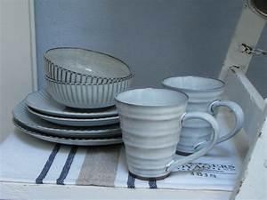 Geschirr Blau Weiß : teller essteller speiseteller grau blau wei geschirr keramik steinzeug handarbeit ~ Markanthonyermac.com Haus und Dekorationen