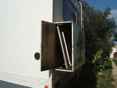 coffre arri 232 re photo de vues des placard ext 233 rieurs camion iveco am 233 nag 233 en cing car