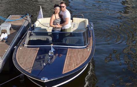 Motorboot Fahren Frau by Motorboot Fahren In Frankfurt Am Main Als Geschenkidee