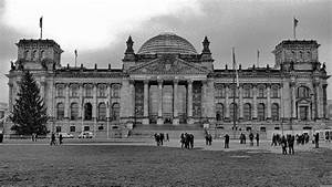 Kaffeetassen Schwarz Weiß : berliner bundestag schwarz wei foto bild architektur profanbauten regierungs ~ Markanthonyermac.com Haus und Dekorationen