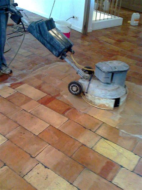 nettoyage tomettes conseils rev 234 tements de sols d 233 capage ciment sur des tomettes
