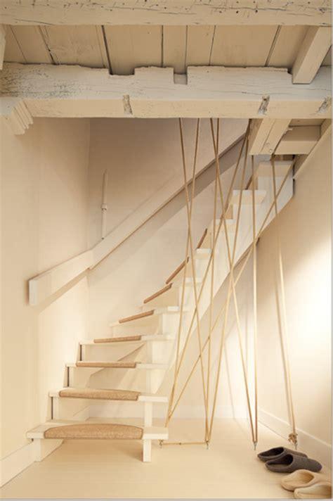 escalier de la corde pour faire la re le de adeline