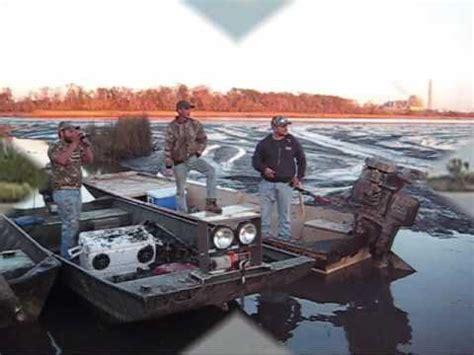 Gator Tail Vs Gator Trax Boats by Gator Tail Vs Mud Buddy Surface Drive Autos Post