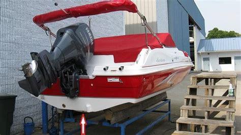 Hurricane Deck Boat Drain Plug Size by Where Will I Find The Drain Plug On The 217 Hurricane