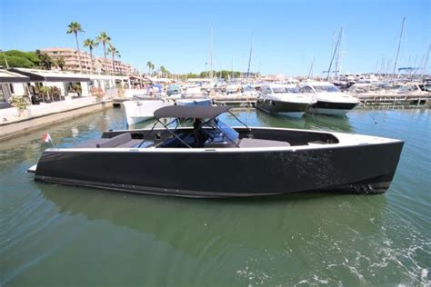 Van Dutch Boats Miami by Vandutch 40 Open And Walkaround Video First Look Boats