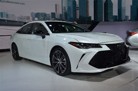 2019 Toyota Avalon Comes Larger With Hightech Features