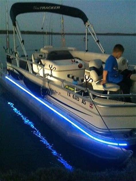 Best Pontoon Boats Under 25 Feet by Best 25 Pontoon Boats Ideas On Pinterest