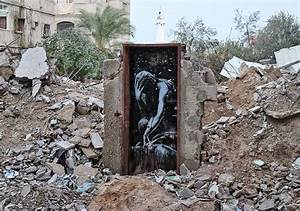 Banksy Sneaks Into Gaza To Create Controversial Street Art ...