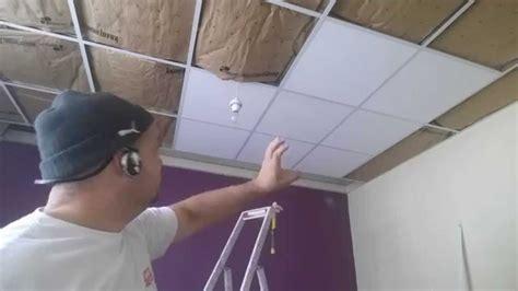 faux plafond suspendu la pose des dalle 238 lot centrale