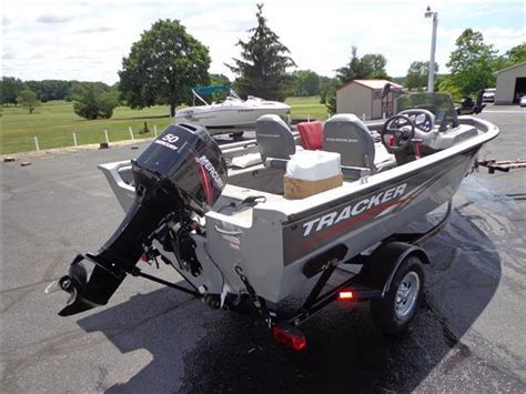 Boat Trailer Tires Bass Pro by 10 Bass Tracker Pro Guide 16 Bass Boat 50hp Mercury