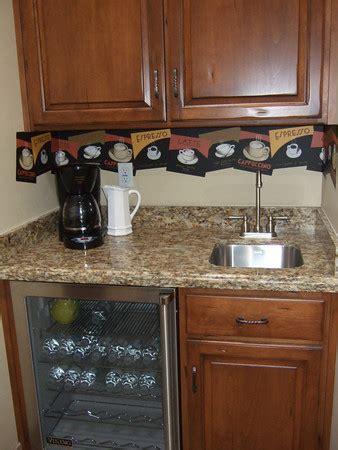 CUSTOM HOMES THE AT HOME COFFEE BAR   Woodridge Custom Builders LLC