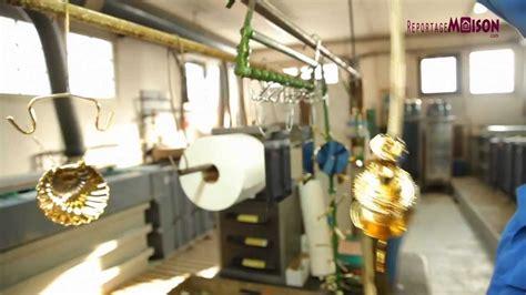 robinetterie et accessoires de luxe pour la salle de bain cristal et bronze