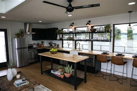Fixer Upper Black Houseboat by 811 Best Images About Fixer Upper Hgtv On Pinterest Hgtv