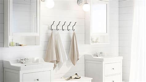4 id 233 es 224 petits prix pour accrocher les serviettes de bain