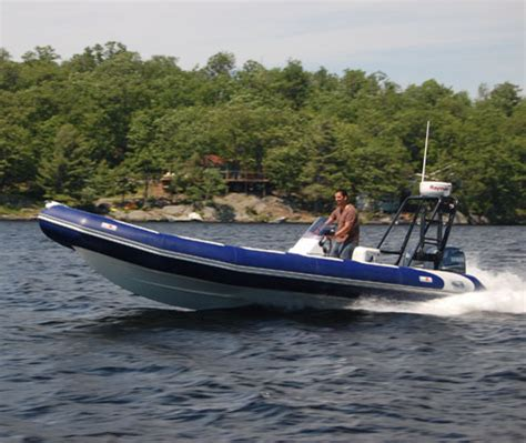 Boat Transport Kingston Ontario by Thousand Islands Scuba Diving Tours Rockport Brockville