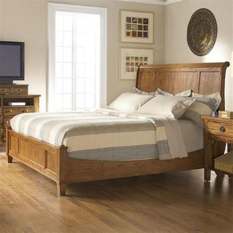 broyhill furniture attic heirlooms eastern king sleigh bed in oak stai traditional