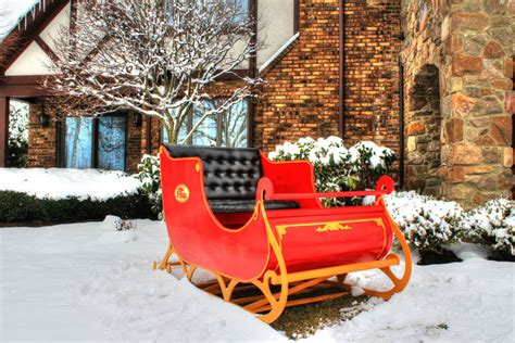 Santa Sleigh Outdoor Decoration by Holiday Decorations Kreative Displays