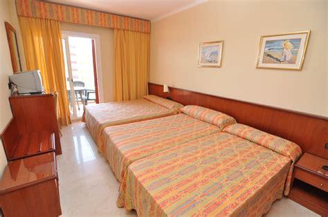 habitaciones hotel montecarlo roses costa brava vacaciones en roses costa brava rosas