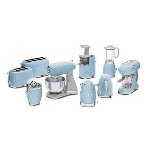 ECF01 Espresso Coffee Maker   Smeg   AmbienteDirect.com