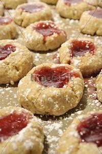 Kekse Mit Marmelade : selbstgebackene mit marmelade gef llte kekse runterladen abs ~ Markanthonyermac.com Haus und Dekorationen