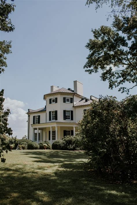 Oatlands Historic House And Gardens minimalist and budget friendly wedding at oatlands