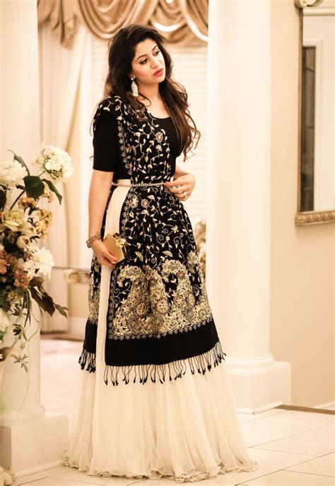 Best 25+ Indian Wedding Dresses Ideas On Pinterest. Summer Wedding Dresses Bridesmaids. Colorful Wedding Dress Shoes. Blue Tinted Wedding Dresses. Vintage Lace Wedding Dresses Cape Town