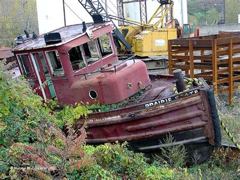 Earthquake Fire Boat by Great Lakes Seaway Shipping News Archive