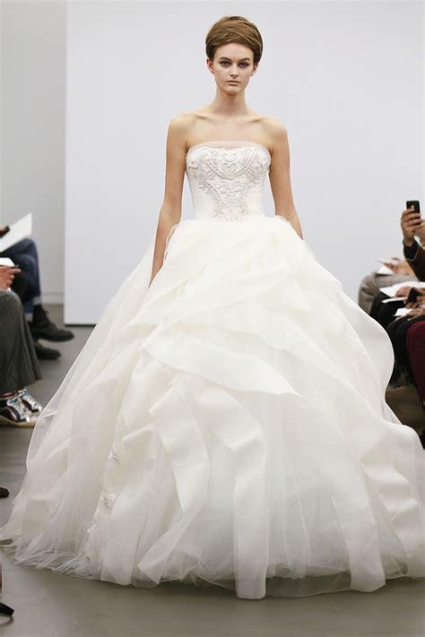 Vera Wang  #1 Wedding Dress Choice Of Rich Girls. Gold Embellished Wedding Dresses. Beach Wedding Dresses In Kenya. Oscar De La Renta Addison Wedding Dress. Wedding Dresses 2016 Sri Lanka