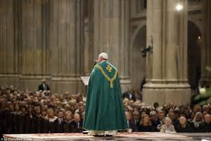 Pope Francis lands in NYC and leads evening prayers at St ...