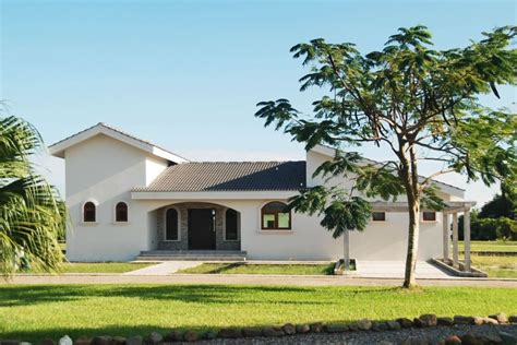 2 5 bedroom family homes for sale in placencia belize